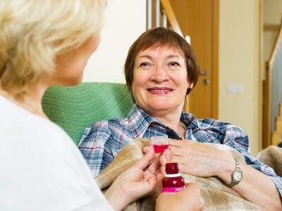 Recomendaciones para administrar medicamentos a ancianos